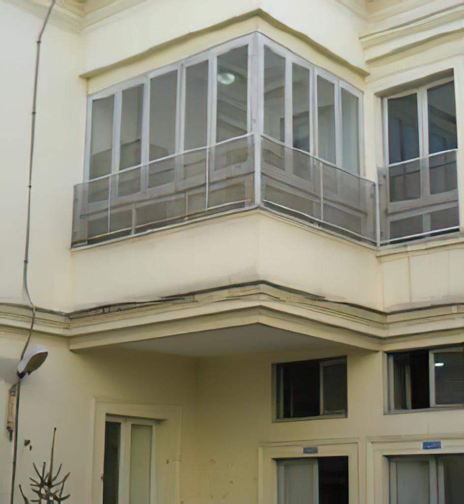 Adeguamento strutturale della scuola media basile al corso campano nel comune di Giugliano in campania