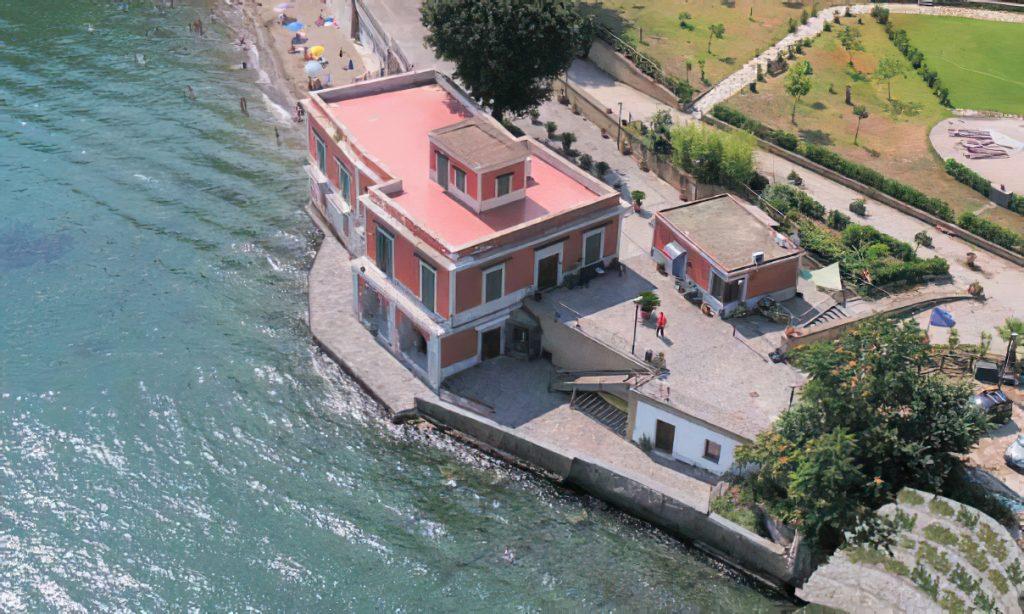 Intervento di messa in sicurezza del fronte mare antistante la villa Ferretti nel comune di Bacoli (na)